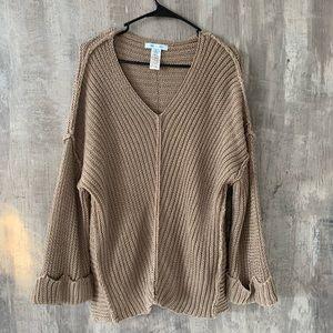 NWOT She + Sky taupe sweater sz Lg